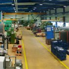 firm_location_oetwil_Produktionshalle.jpg